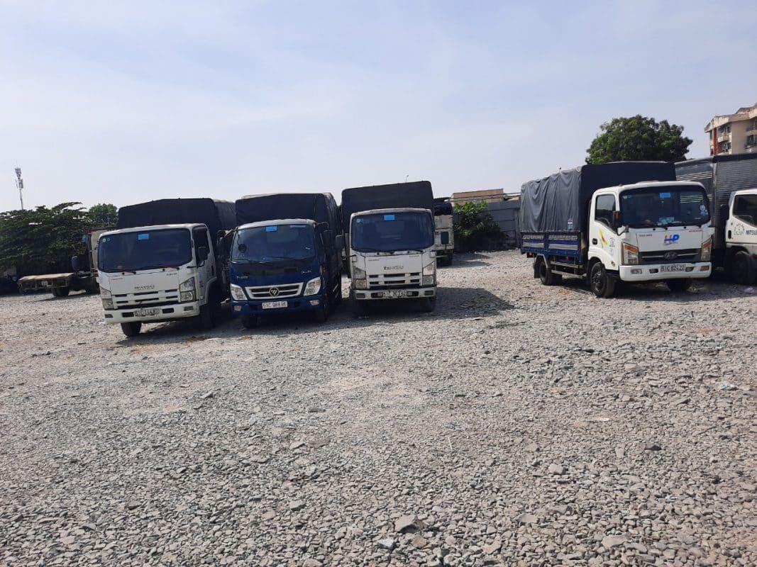 Dàn xe taxi tải cho thuê của công ty TNHH MTV Vận tải Dịch Vụ Chuyển Nhà Trọn Gói