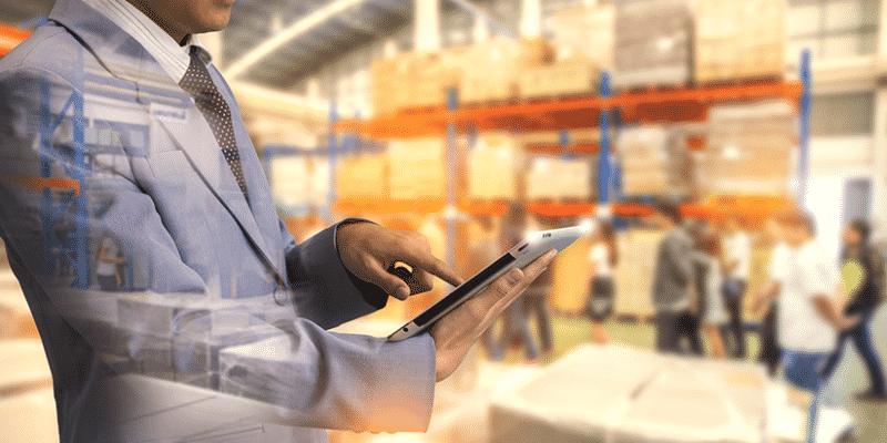 Các nhân viên của dịch vụ lưu kho sẽ chịu trách nhiệm đảm bảo an toàn của hàng hóa