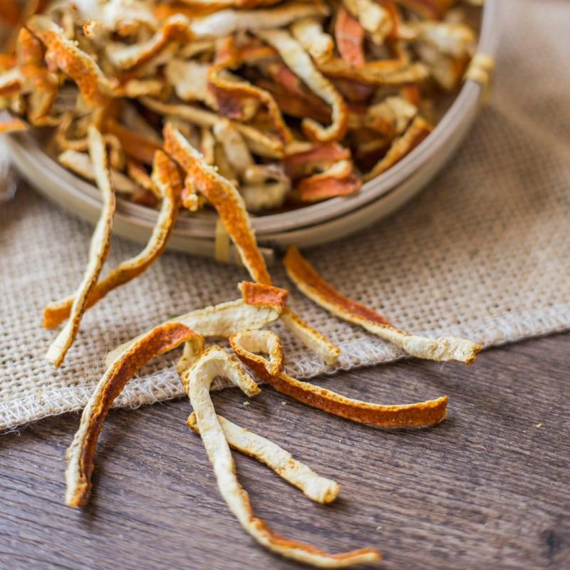 Vỏ quýt cam khô có hiệu quả đặc biệt trong việc đuổi muỗi