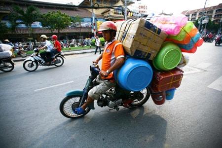 Xe máy vận chuyển nhà