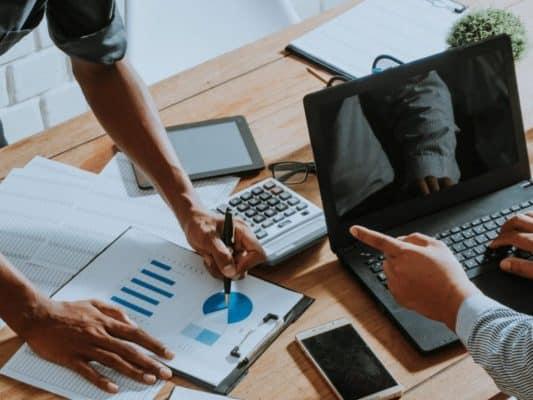 Mơ thấy chuyển văn phòng có thể phản ánh công việc hiện tại của bạn