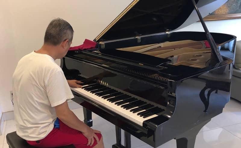 Bàn giao đàn piano cho chủ nhà
