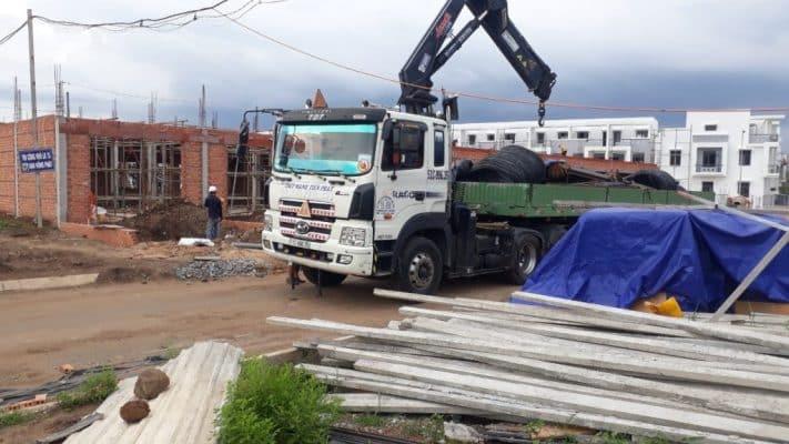 Xe cẩu tại quận Tân Phú