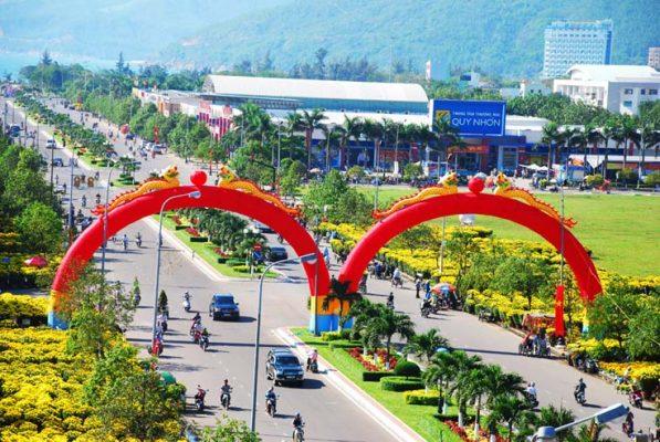 Dịch vụ cho thuê xe tải chở hàng Sài Gòn - Bình Định
