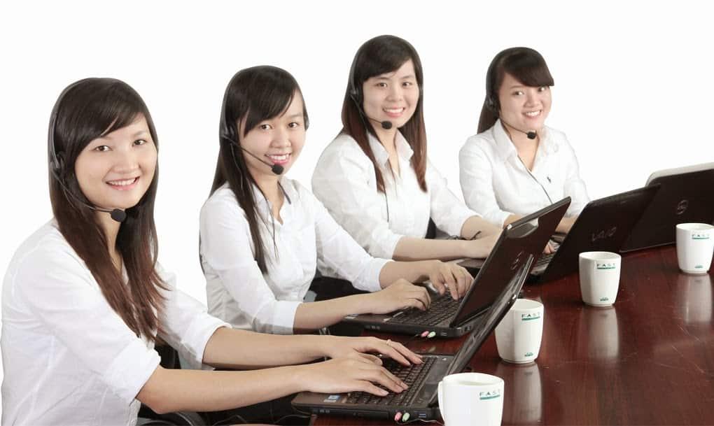 Đội ngũ nhân viên tiếp nhận thông tin khách hàng của Dịch vụ chuyển nhà trọn gói
