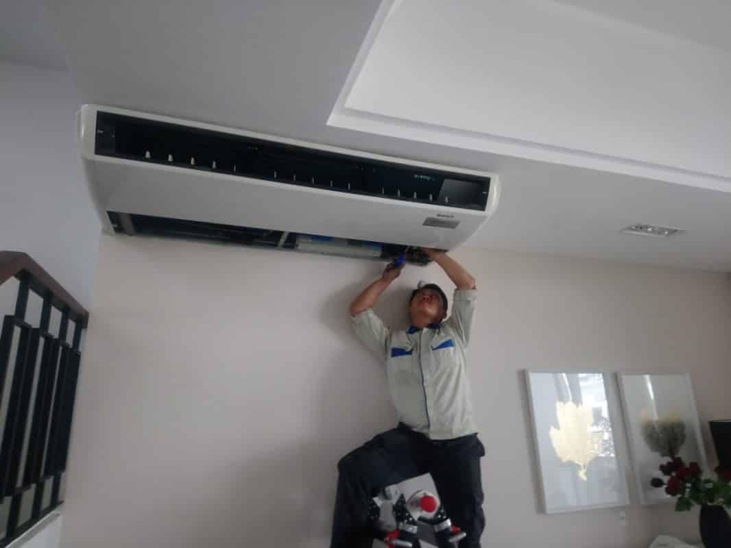 Nhân viên tháo lắp di dời máy lạnh chuyên nghiệp