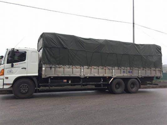 Kích thước thùng xe tải 15 tấn là 10m x 2,3m x 2.6m (dài x rộng x cao)