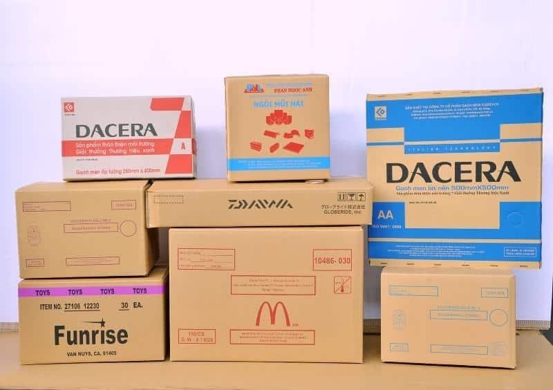 Tận dụng lại thùng carton củ để đóng gói đồ đạc