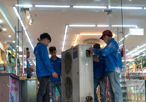 Nhân viên tháo lắp máy lạnh chuyên nghiệp
