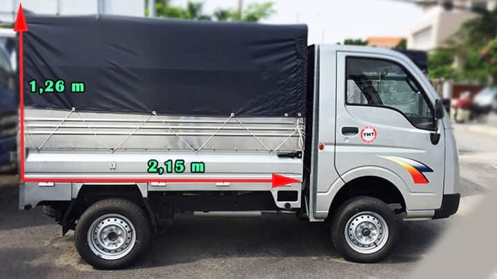 kích thước thùng xe tải 2 tấn là: 3.4m x 1,9m x 1,9m (dài x rộng x cao).