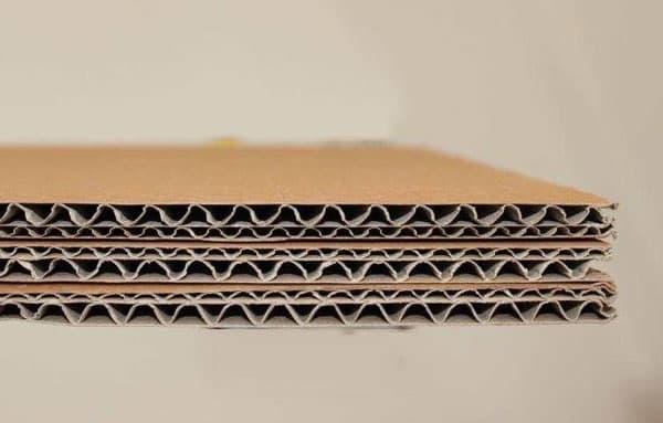 Bìa carton cứng là gì? Cấu tạo của bìa carton cứng