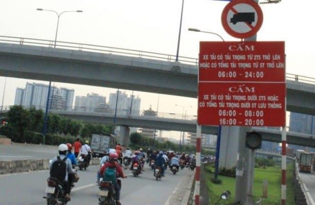 Biển báo cấm xe tải theo khung giờ