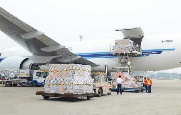 Vận chuyển hàng hoá bằng đường hàng không
