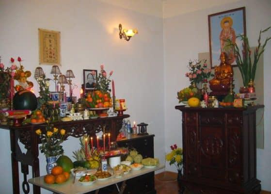 Bài trí bàn thờ Phật