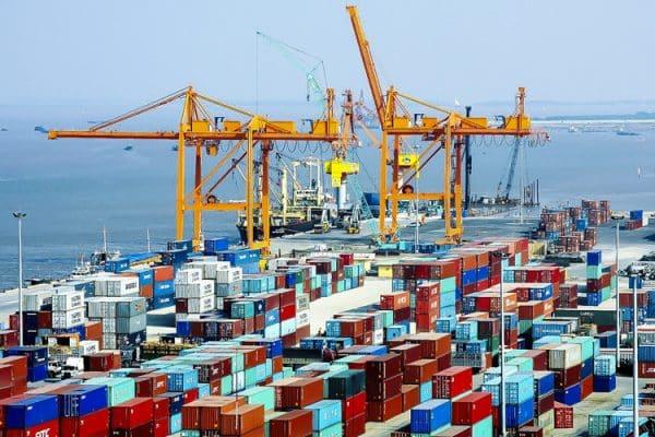 Cách tính cước phí vận chuyển hàng container