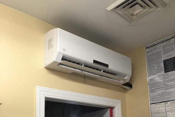 Vị trí không nên lắp máy lạnh trong phòng khách