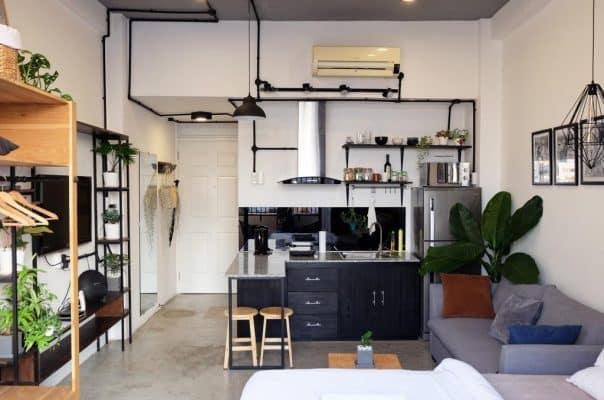 """Biến căn phòng của mình đậm chất """"Hàn xẻng"""" thì chúng mình nên chọn các loại nội thất thấp một chút"""