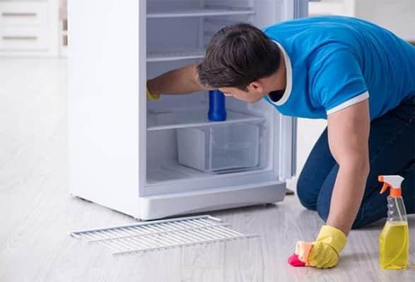 Bí kíp vệ sinh tủ lạnh đúng cách sạch bóng cho chị em nội trợ