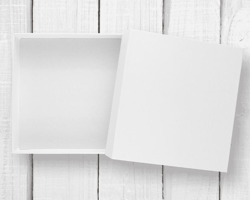 hộp carton màu trắng